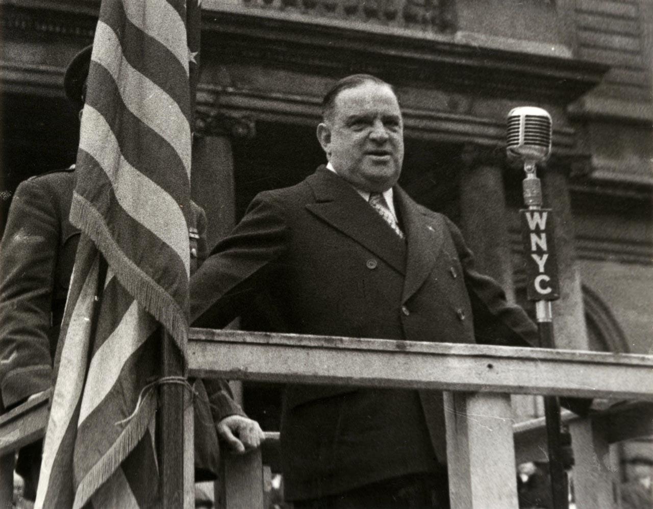 Il sindaco di New York nella <em>Vita promessa</em> (Rai1) era l'eroe di Renzo Arbore