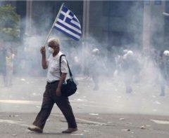 Grecia: così è nata, e purtroppo difficilmente finirà, la tragedia ellenica. Teo Dalavecuras intervistato da Valeria Palumbo per L'Europeo