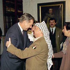 """Johan Holst, """"l'angelo della pace"""" che pagò con la vita lo sforzo per pacificare il Medio Oriente"""