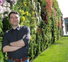 Ispirato da Montpellier e realizzato alle porte di Milano: il giardino verticale più grande del mondo è italiano