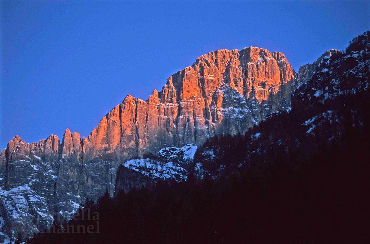 Le Dolomiti, rifugio <br />del cronista Buzzati