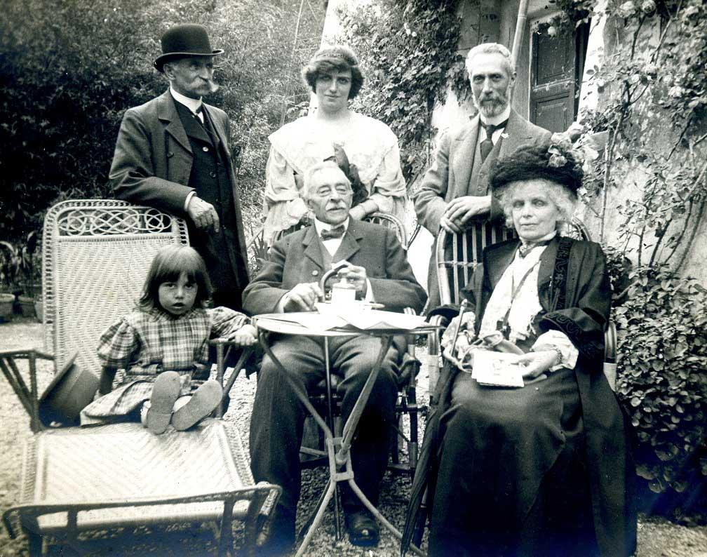La famiglia paterna di Fulco Pratesi (WWF) in una foto del 1904