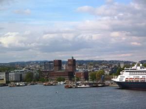 incontri di servizio Oslo come fare 13 anni di età hook up