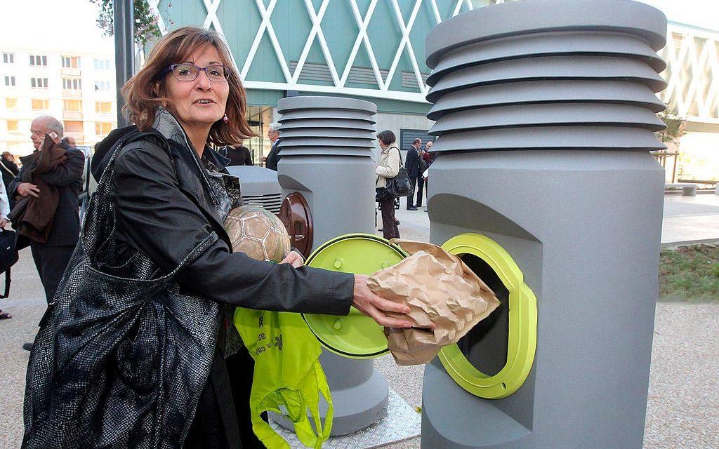 La Francia manda in pensione i cassonetti: la raccolta dei rifiuti ad aspirazione pneumatica