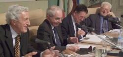 Giuliano Amato e gli altri relatori durante la presentazione del libro di Sartriano