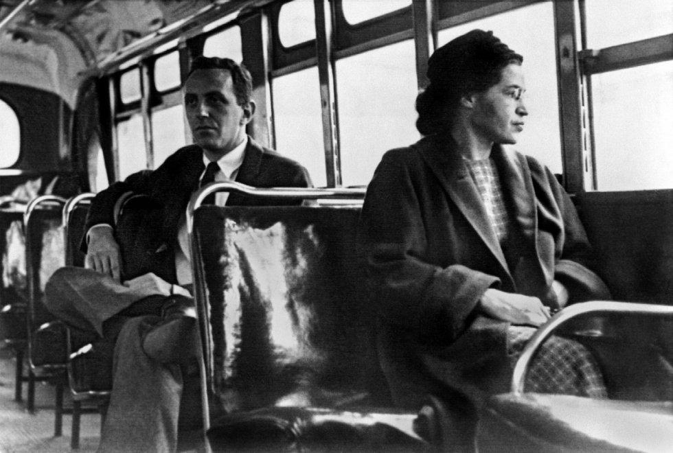 """Ricordando Rosa Parks, """"la donna <br />che non si alzò"""" e divenne simbolo <br />dei diritti civili in America"""