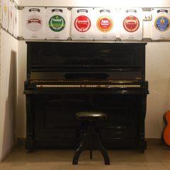 La piccola grande storia arrivata a Milano con un pianoforte voce di Napoli