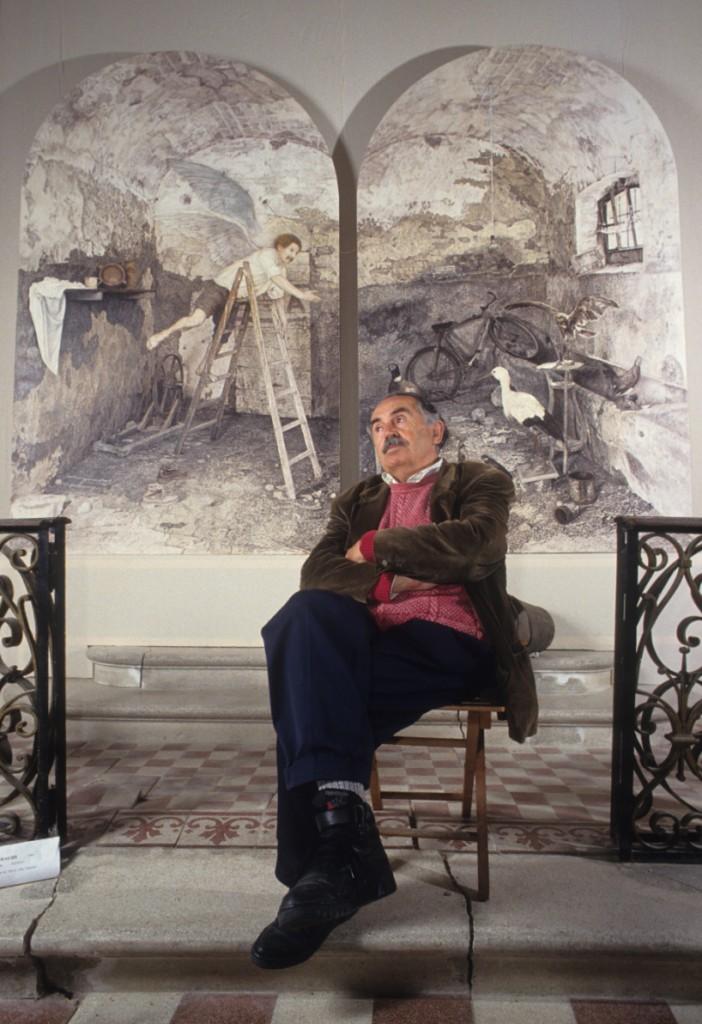 Tonino Guerra nel Museo con un quadro soltanto