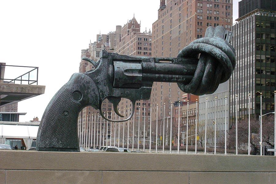 riciclare-armi-trasformandole-in-strumenti-musicali-post-war-orchestra