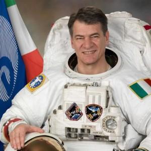 Paolo Nespoli (Milano, 6 aprile 1957).E' l'astronauta italiano con il record di permanenza nello spazio: 174 giorni.