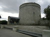La Torre di James Joyce sulla spiaggia di Sandycove, dieci chilometri a sud di Dublino. È una delle 250 Martello Towers dislolcate nell'imper britannico contro una possibile invasione napoleonica.