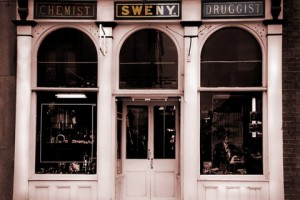 Dublino. La farmacia Sweny's in Lincoln Place. È tuttora esattamente come descritta nel romanzo Ulisse.