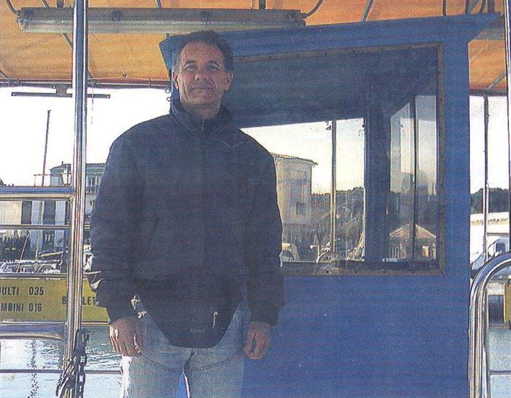 """Cesenatico (Forlì Cesena): Alfiero Agazzi, comandante del traghetto """"Mirko"""" operativo fin dal 1986."""