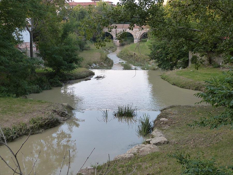 Qual è il vero Rubicone? <br />Un verdetto popolare <br />sul fiume più famoso al mondo <br />sconfessa Mussolini