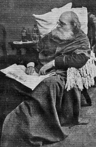 Garibaldi è la figura più rilevante del Risorgimento, uno dei personaggi storici italiani più celebri al mondo e anche un eroe nazionale per gli italiani. Iniziò i suoi spostamenti per il mondo quale ufficiale di navi mercantili e poi quale capitano di lungo corso al comando.