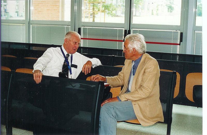 Antonio Saltini intervista Norman Borlaug, premio Nobel per la pace, all'Università di Bologna, il 5 settembre 2004. Archivio Nuova terra antica.