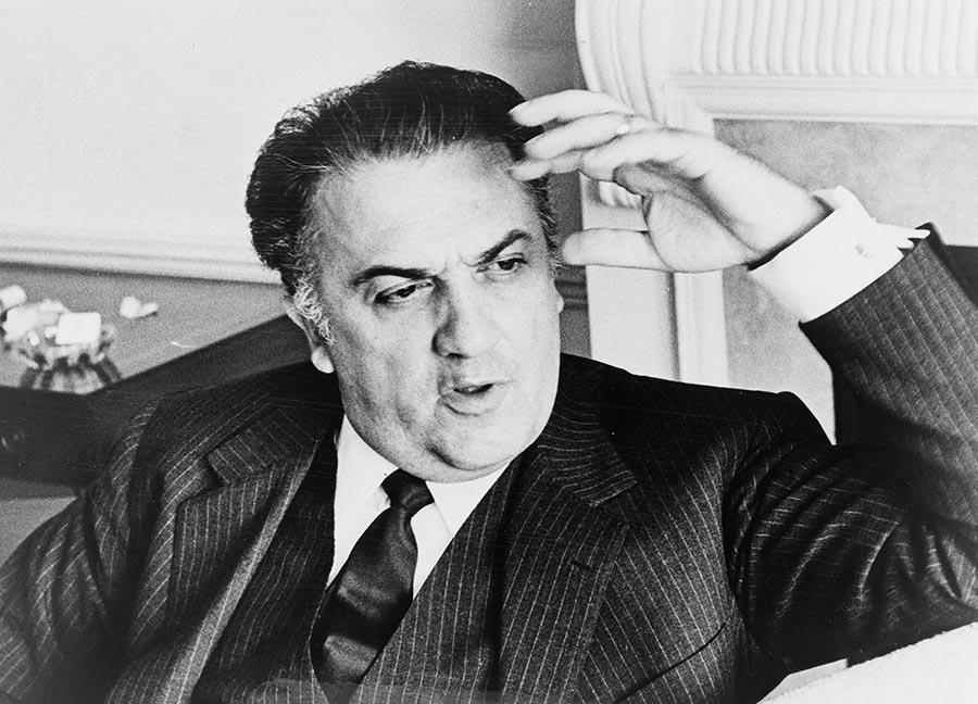 Un libro intrigante <br />sui segreti di Fellini, <br />un Sos per la casa in Romagna <br />dove trascorreva estati felici