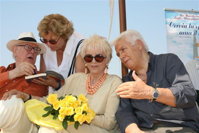 Terenzio Medri, <br />che portò in Romagna <br />i libri da amare <br />e gli autori dal mare