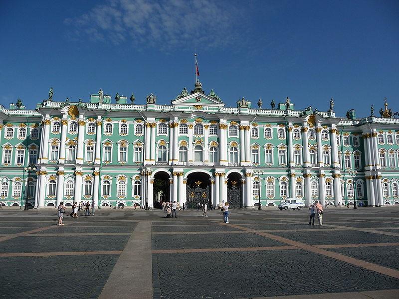 San Pietroburgo (Russia), il Palazzo d'Inverno. Fu costruito tra il 1754 e il 1762[1] su progetto dell'architetto italiano Bartolomeo Rastrelli come residenza invernale degli zar.