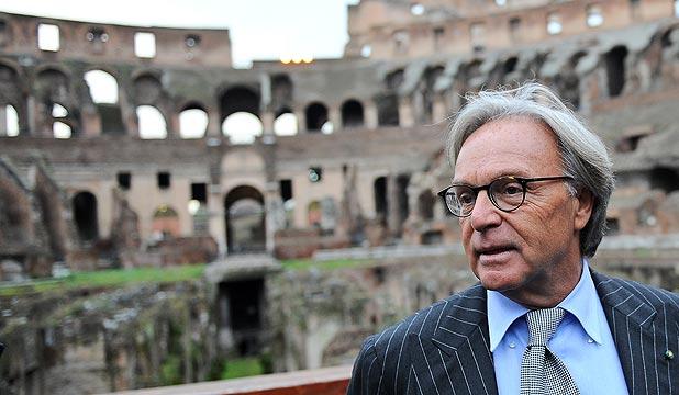 Un'immagine di Diego Della Valle al Colosseo, da lui adottato