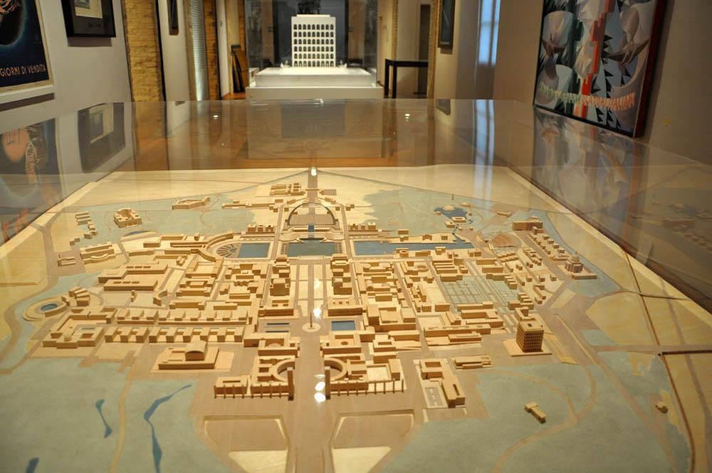 Novecento. Arte e vita in Italia tra le due guerre – veduta della mostra presso i Musei di San Domenico, Forlì 2013 (fonte: Artribune)