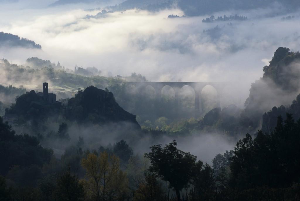 garfagnana-pascoli-valle-serchio-campanile-sambuco