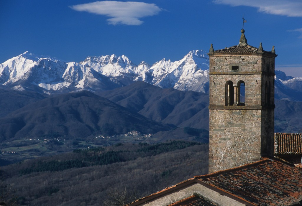 garfagnana-pascoli-sassorosso-alpi-apuane-valle-serchio
