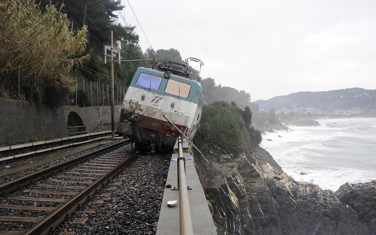 Il treno deragliato e le frane <br />in Liguria? Disastri annunciati