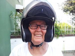Grazie allo Yoga, Wanda è riuscita a salire di nuovo su una BMW GS Adventure