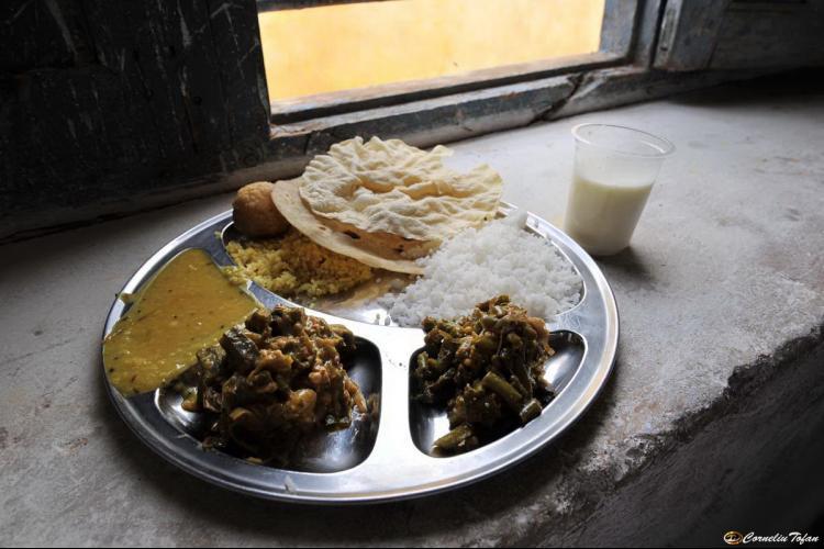 ospedale-mobile-india-cibo