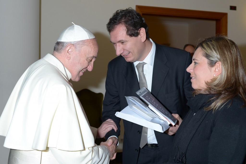 Emi-editrice-missionaria-italiana-Santo-Padre-Lorenzo-Fazzini-Valeria-Zanna-03-12-2013