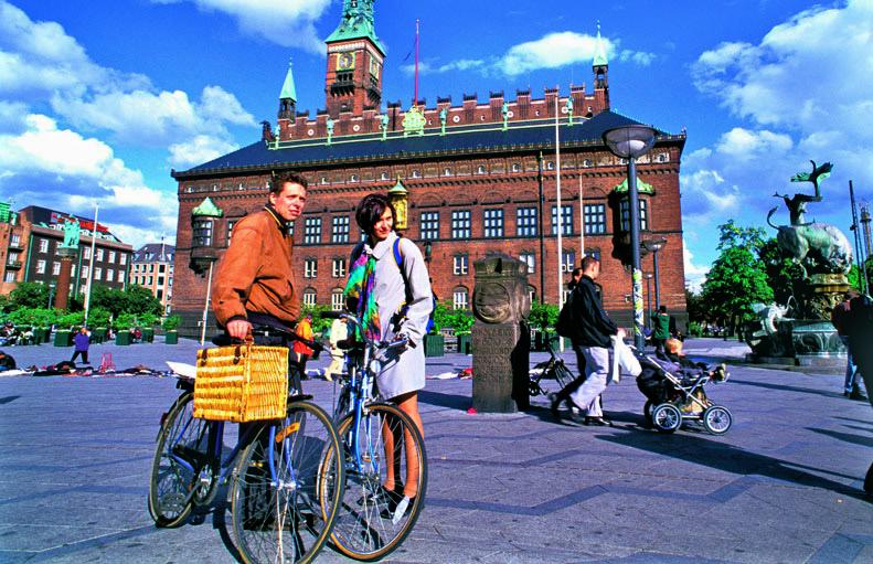 danimarca-flessicurezza-tawn-hall-palazzo-municipio-biciclette