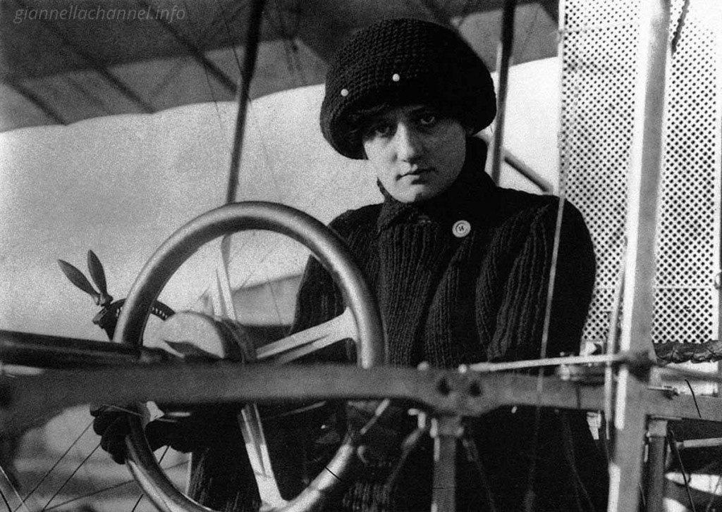 storia-donne-aviazione-elise-deroche-1910