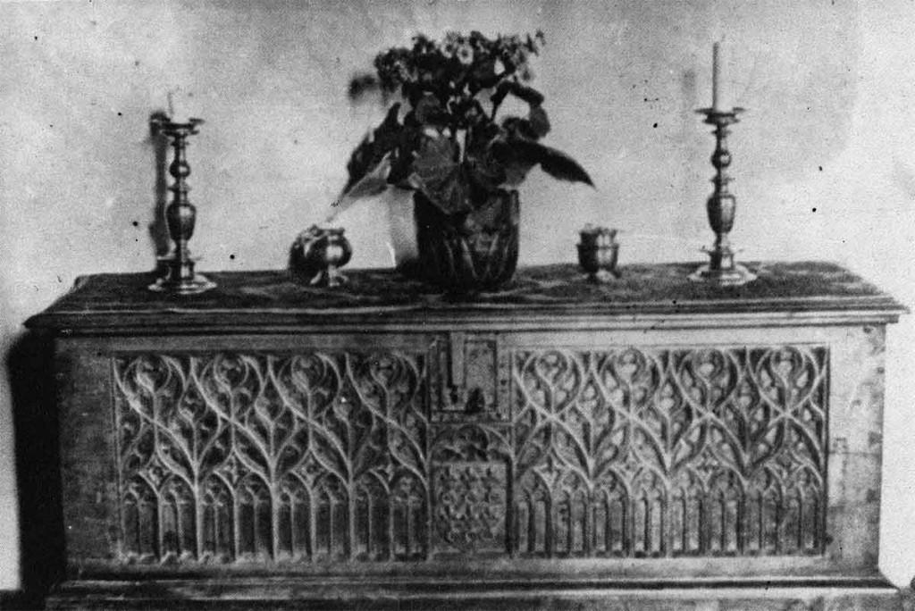 cassone-intagliatore-ignoto-xv-secolo-collezione-branch-firenze-Staatliches-Kunstgewerbe-Museum-Vienna
