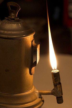 lampada-acetilene-minatori