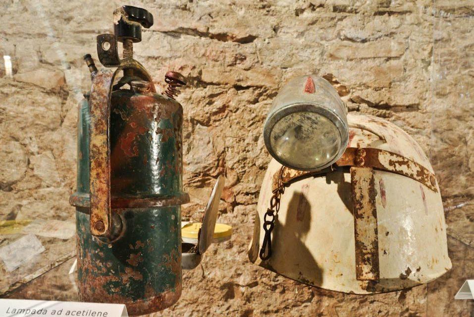 LUX: nell'anno della Luce la breve storia delle lampade per i minatori