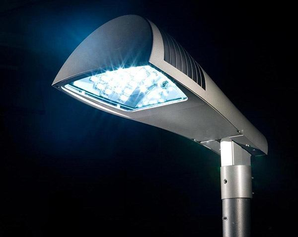 Milano sarà la prima città europea <br />con tutti i lampioni a Led entro il 2015*