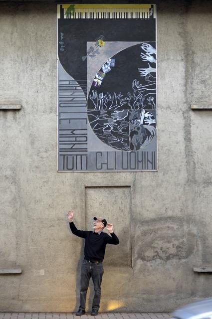 artista-professore-filosofia-walter-cervi-murale-tutti-uomini-hanno-mani