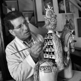 Per Pasqua le donne di Federico II raccontano in Puglia le trame dell'imperatore che stupì il mondo Ben 22 statue in ceramica rappresentano il mondo femminile del grande statista con anche figure maschili, vestite di regale autorità e a cavallo per narrare gli intrighi di corte