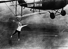 L'altra metà in cielo. Quando le donne presero il volo (3) I primi record delle mitiche antenate di @AstroSamantha testo di Luigi Butti e Salvatore Giannella