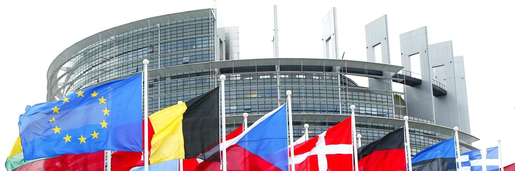 Fondi Europei 2014-2020: <br />ecco tutti i testi <br />dei Programmi Operativi <br />Nazionali e Regionali