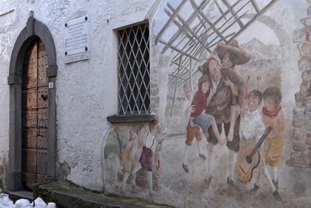 arte-turismo-culturale-lombardia-paesi-dipinti-murale