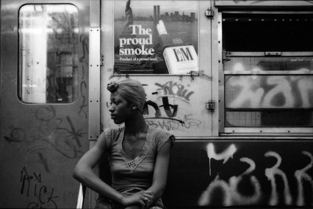 elisa-leonelli-new-york-subway