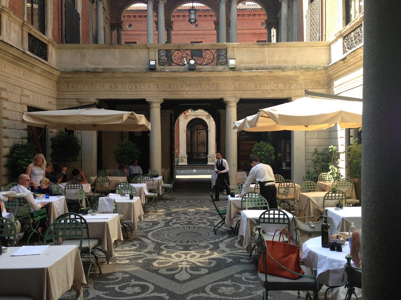 i 50 migliori ristoranti con giardino all 39 aperto di milano On il sambuco milano