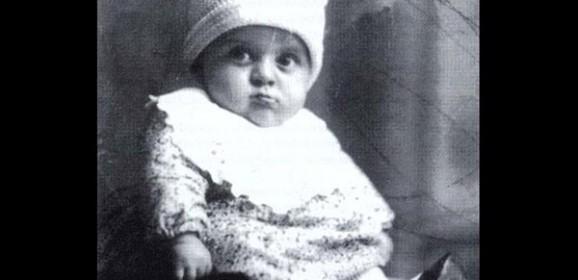 Amarcord l'infanzia tra i burattini di Federico, il regista Fellini