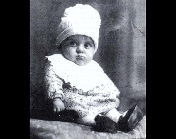 <em>Amarcord</em> l'infanzia tra i burattini <br />di Federico, il regista Fellini