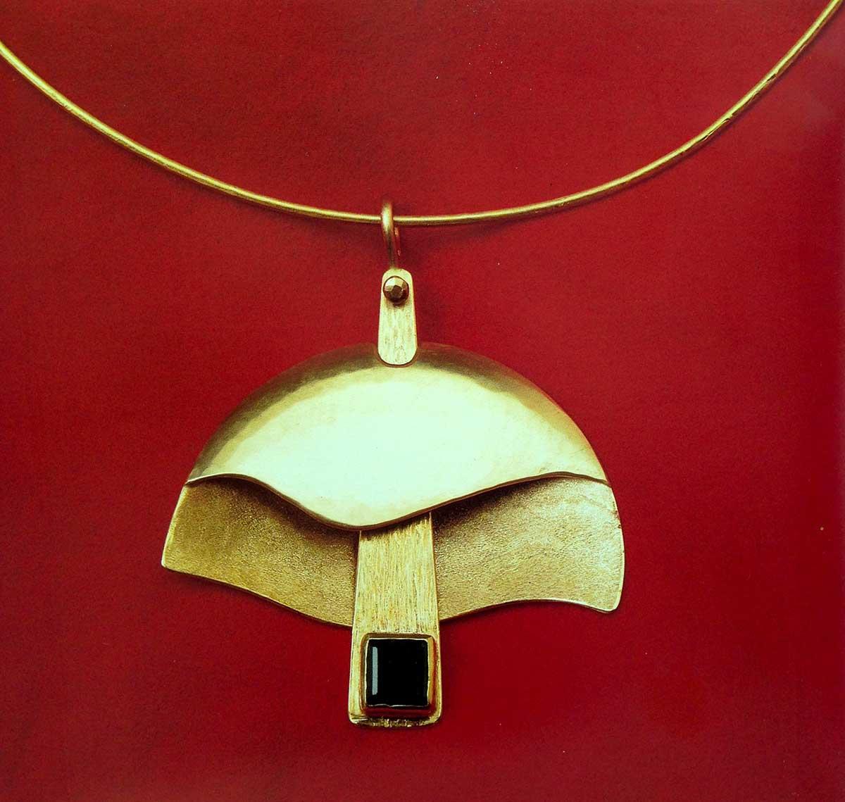 """<em>""""Nel nome… del padre""""</em>: <br />la magia dei gioielli di Ilario <br />tra i dipinti del figlio Vanni"""