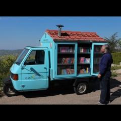Il Vangelo secondo La Cava, che con il bibliomotocarro porta libri nei paesi lucani