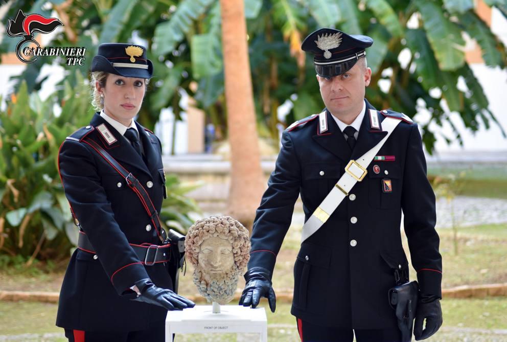 Torna a casa il Ricciolo blu <br />grazie a due archeologhe siciliane. <br />E le librerie premiate
