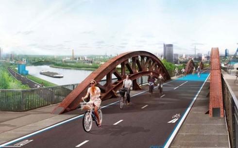 Futuro ciclabile: inaugurata <br />la prima autostrada <br />per biciclette del mondo